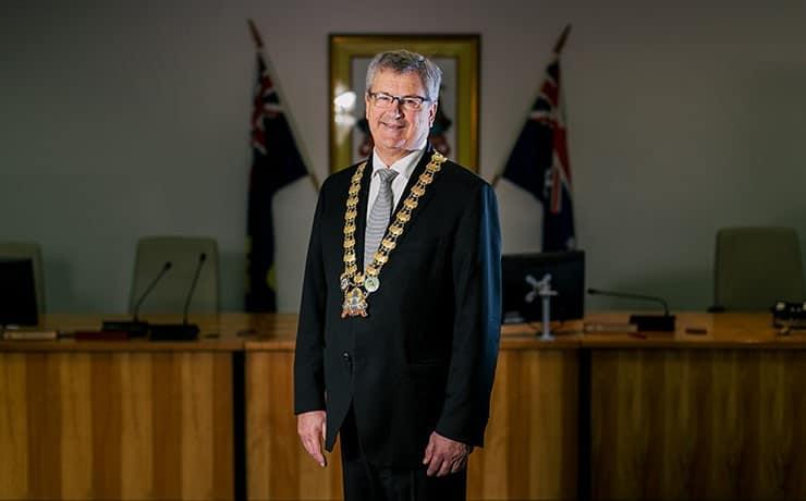 Albany-Western-Australia-WA-Mayor-Dennis-Wellington-740x460_41K